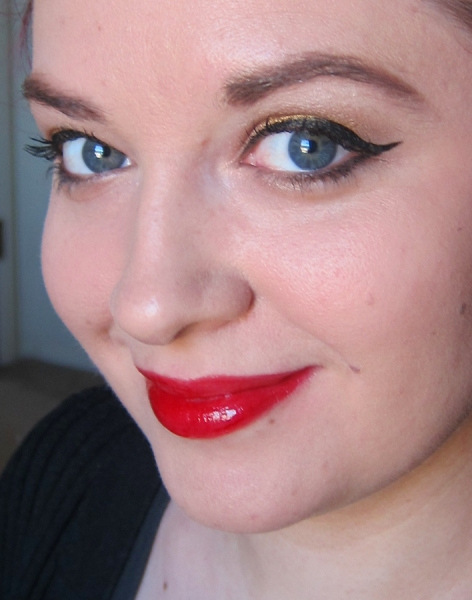 L'Oreal Colour Caresse Wet Shine Stain - Endless Red