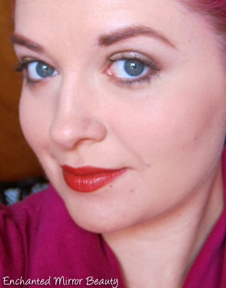 Be Conscious Cosmetics - Face Look with Poppy Lipstick