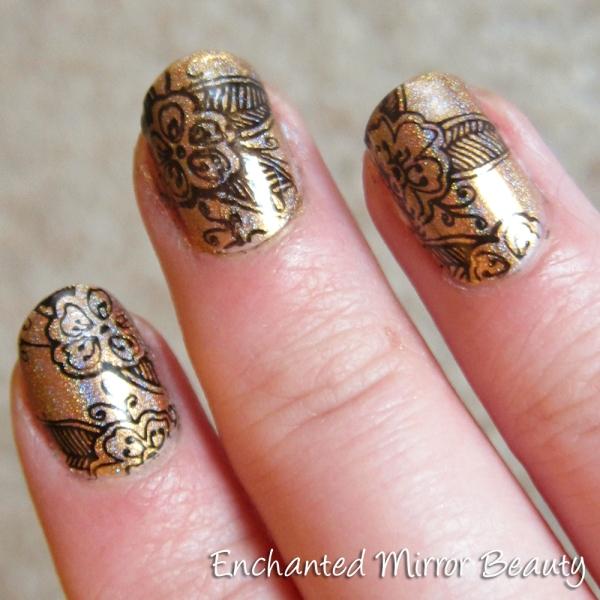 Mehndi Nails